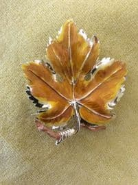 1960s Golden Vine Leaf Pin - A Signed Exquisite Brooch -  Ochre Yellow Coloured Centre