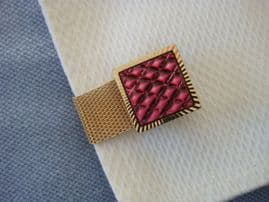 1970s Cufflinks - Pinky Mauve Mother of Pearl in Gold Mesh Design
