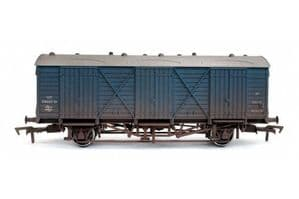 Dapol 4F-014-018 BR Fruit D, BR Blue Livery, Weathered
