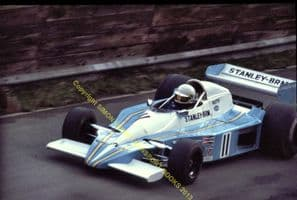 BRM P207 Teddy Pilette Oulton Park Gold Cup 1978 Aurora AFX British F1. Photo (b)