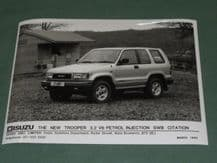 "ISUZU TROOPER 3.2 V6 SWB CITATION factory issued 8x6"" press photo"