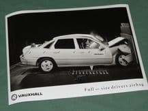 "VAUXHALL Cavalier ""Full-size drivers airbag""  factory issued 8x6"" press photo"