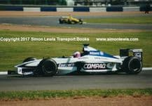 Williams FW22 BMW Jenson Button at speed, testing at Silverstone 2000 . Photo (a)