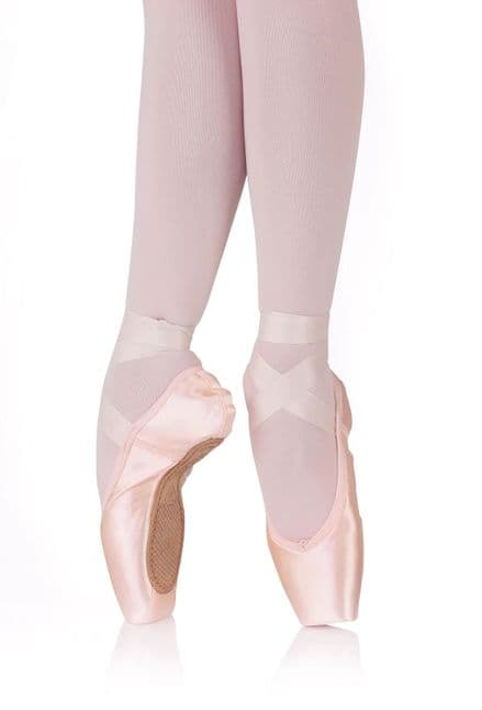 R CLASS Pointe Shoes