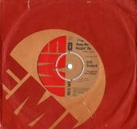 Cliff Richard - (You Keep Me) Hangin' On/Love Is Here (2150)