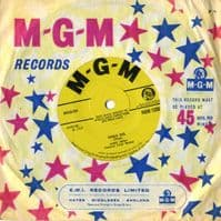 Sandy Posey - Single Girl/Blue Is My Best Color (1330)